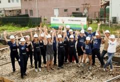 Voluntari de la Discovery Networks au muncit pe șantierul Habitat for Humanity din Ploieşti pentru ca patru familii să aibă ACASĂ