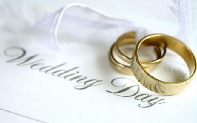 Un cuplu din Ploiești a ales o ȚINUTĂ INEDITĂ pentru ziua nunții FOTO