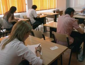 Liceenii dau, luni, proba scrisă la LIMBA ROMÂNĂ. Tot ce trebuie să ştii despre BACALAUREAT 2015