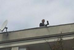 O femeie din Ploiesti s-a urcat pe bloc pentru a se SINUCIDE