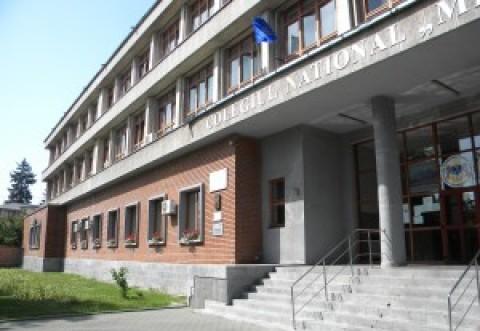 """Rezultate BACALAUREAT Ploiesti: Ce note au obtinut elevii Colegiului National """"Mihai Viteazul"""""""