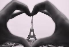 De ce să vizitezi Parisul vara asta?