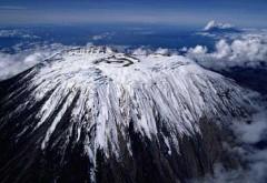 Trei tineri din Ploieşti escaladează Kilimanjaro