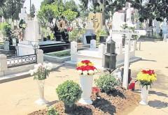 Scenă incredibilă în cimitirul Bolovani din Ploiești. Un grup de țigani a terorizat oamenii prezenți la un priveghi