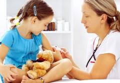 Ce SANCŢIUNI riscă să primească părinţii care refuză vaccinarea copiilor