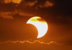 AVERTIZĂRILE astrologilor: ECLIPSA parţială de soare de duminică aduce SCHIMBĂRI şi DEZASTRE