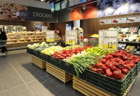 LEGE: Peste jumătate din carnea, legumele şi fructele din supermarket trebuie să fie româneşti