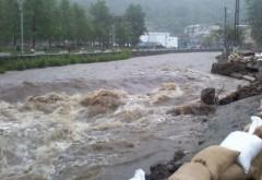 Alertă hidrologică. Risc major de inundaţii in Prahova