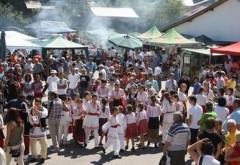 Serbările Toamnei la Vălenii de Munte – Festivalul Ţuicii, organizate intre 30 octombrie-1 noiembrie