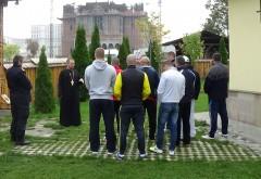 10 deţinuţi de la Penitenciarul Ploieşti au vizitat Catedrala Mântuirii Neamului Românesc