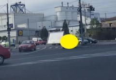 Unde şi-a lăsat un ţăran din Ploieşti maşina: în mijlocul intersecţiei! FOTO