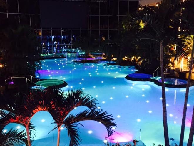 Se deschide paradisul tropical therme bucuresti cat costa o zi la piscina sau in parcul de - Cat costa o piscina in curte ...