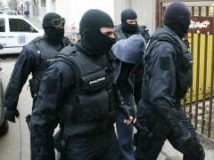 PERCHEZITII in Prahova. Ce cauta politistii