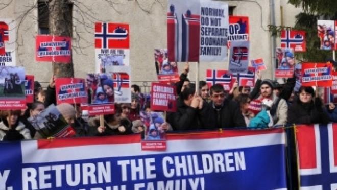 PROTESTE în Capitală şi în mai multe oraşe din ţară. Ce cer oamenii