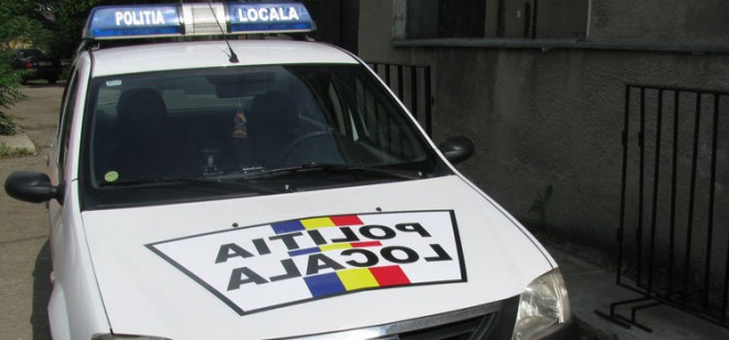 Barbat batut si plin de sange, gasit de Politia Locala din Ploiesti. Afla ce a patit