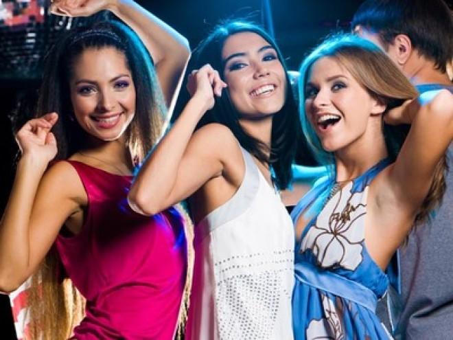 8 Martiei. Unde pot petrece femeile din Ploieşti cu striptease şi open bar