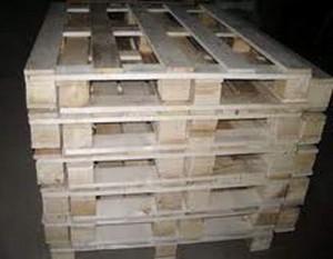 Furt de paleți din lemn înterupt de polițiștii din Ariceștii Rahtivani