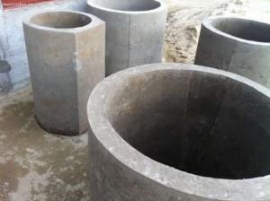 Trei tineri din Provita sunt bănuiți că au furat mai multe tuburi din beton