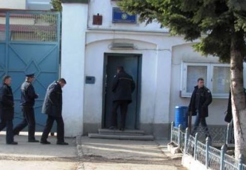 Doi câmpineni condamnaţi la închisoare au fost prinşi şi încarceraţi la Mărgineni