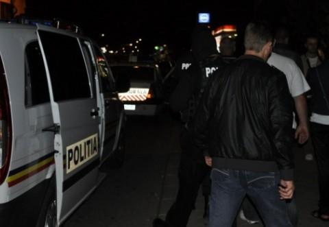 Razie în comunele Măneşti, Brazi şi Poienarii Burchii. Ce au căutat poliţiştii