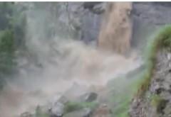 Traseul Jepii Mici din Bucegi, distrus de un torent periculos