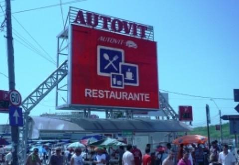 I-au 'vămuit' pe vânzătorii din Autovit: Razie de amploare în cel mai mare târg de mașini