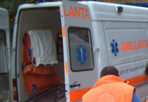 Accident de muncă la Izvoarele. Un bărbat a ajuns la spital