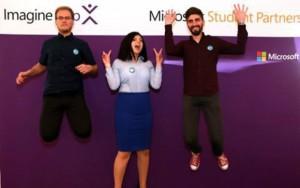 Trei tineri români, câștigătorii unui faimos concurs hi-tech din Statele Unite
