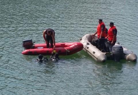 Cadavrul medicului Octavian Ceachir, care s-a sinucis în lacul Paltinu, a ieșit la suprafață