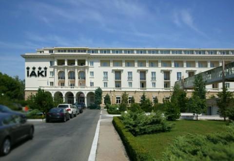"""Surpriza unui turist care s-a cazat la celebrul hotel IAKI din Mamaia: """"Arata ca o pensiune de 2*"""""""