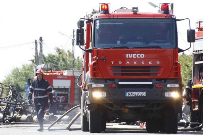 Scandal la un INCENDIU in Vărbilău. Pompierii au chemat jandarmii