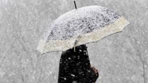 ALERTĂ METEO pentru weekend: Ploi abundente şi ninsori la munte