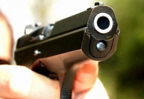 Patronul unui restaurant din Ploieşti a fost ameninţat cu un pistol. Un echipaj al Poliţiei Locale a intervenit la timp
