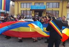 Un drapel demn de Cartea Recordurilor a fost intins, astazi, la Magurele. Vezi cate sute de metri are tricolorul