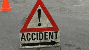 Accident pe Posada! Un TIR s-a ciocnit frontal cu o maşină