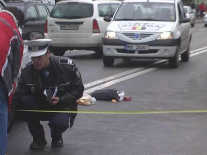 Femeie lovită de maşină la Valea Doftanei