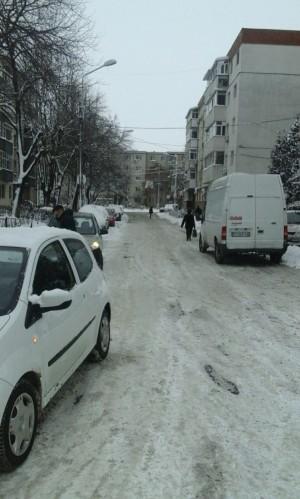 Ploiestenii din zonele Muzicanti si Lupeni sunt disperati. Nicio masina ROSAL nu a intervenit!