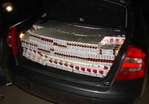 39.000 de ţigarete produse ilegal, confiscate pe DN 1