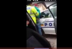 Un sofer din Campina a refuzat să se dea jos din maşină atunci când a fost oprit de Poliţie! Totul a fost filmat de iubita acestuia, iar apoi...