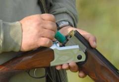 6 italieni veniţi la vânătoare în România, amendaţi de poliţiştii prahoveni. Unde îşi depozitau ei armele