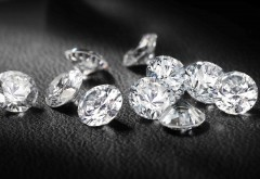 Hoţul diamantelor din Paris rămâne în arest