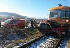 Maşină lovită de tren la Buşteni
