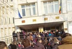 """In atentia Prefecturii Prahova: """"Nu se poate asa ceva! Rezolvati cumva problema aglomeratiei de la inmatriculari!"""""""