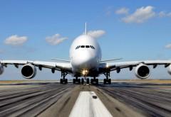 Pasagerii au dreptul la DESPĂGUBIRI dacă avionul întârzie sau zborul se anulează. Compensaţiile în bani ajung la SUTE de euro