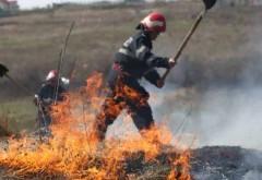 Incendiu de vegetaţie uscată, la Teişani