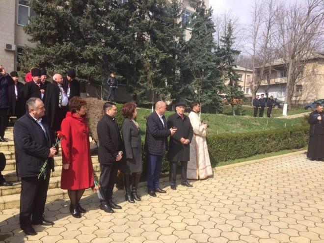 Bogdan Toader, Mircea Cosma si Ludmila Sfarloaga, prezenti la manifestatiile prilejuite de implinirea a 99 de ani de la Unirea Basarabiei cu Romania
