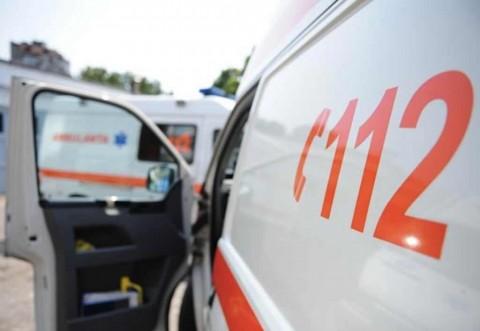 Patru elevi, raniti de un panou ilustrativ la un liceu din Ploiesti