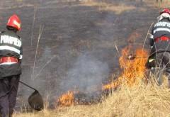 Incendii de vegetaţie uscată în alte cinci localităţi din Prahova
