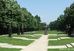 """Parcul """"Constantin Stere"""" se imbogateste cu o noua statuie. Vezi carui mare politician ii apartine cel de-al 13-lea bust realizat de SMV Ploiesti"""