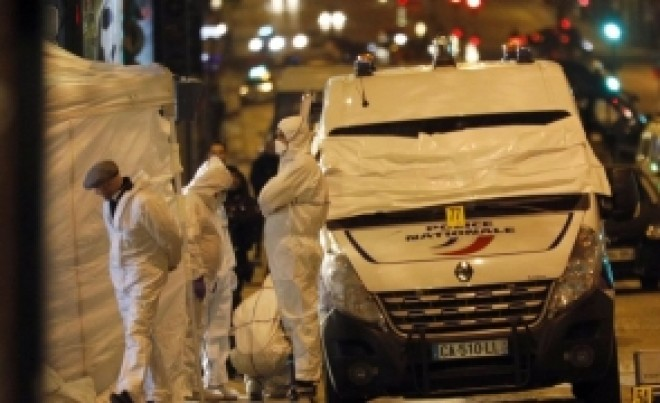 Cine este 'Belgianul', atacatorul de pe Champs-Elysées. Primele IMAGINI cu schimbul de focuri